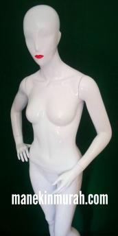 patung full body wanita dewasa material fiber glass ukuran tinggi 1.7m warna putih gloss