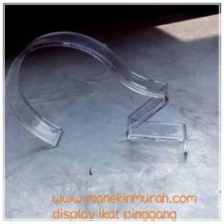 display ikat pinggang atau gesper material acrylic