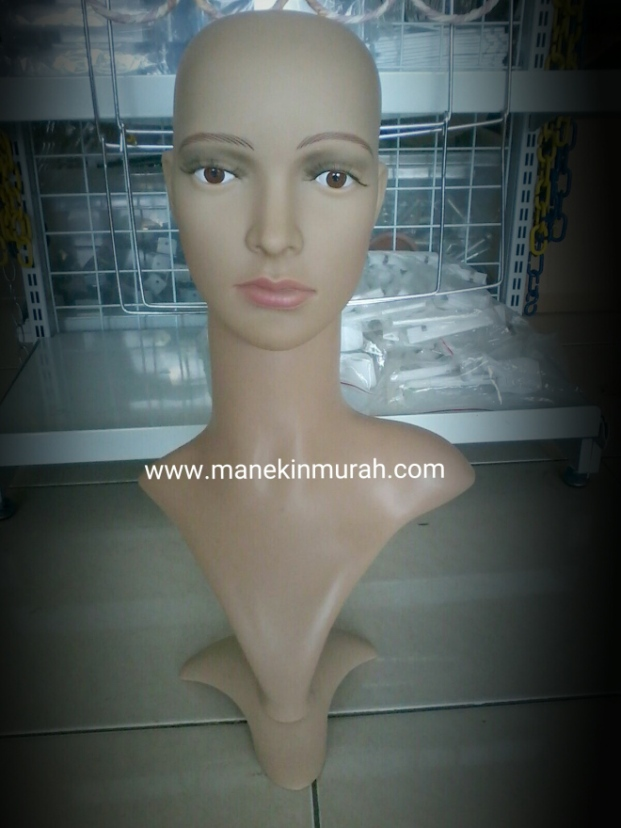 patung kepala wanita dewasa material plastik impor di lengkapi dengan bulu mata dan makeup