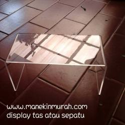KODE 1 .... balok display sepatu material acrylic