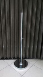 Tiang patung plat bulat Material besi chrome Tinggi 1,2 m Diameter plat
