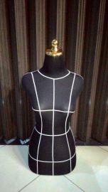 KODE 2 patung dressmaker pola