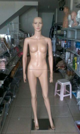 patung full body wanita material plastik impor