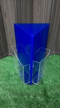 MAterial acrylic display bisa diputar tersedia warna merah dan biru