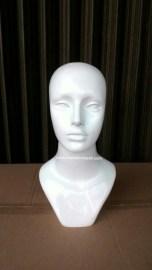 KODE 03 patung kepala wanita material fiber glass